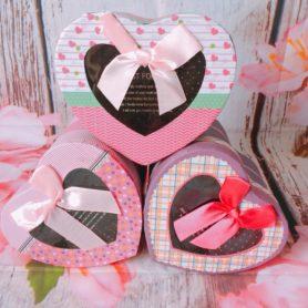 hộp quà trái tim nhiều màu