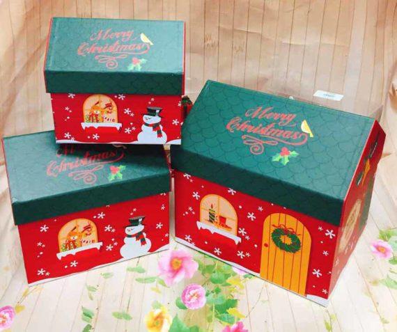 Hộp Quà Noel Ngôi Nhà Trung