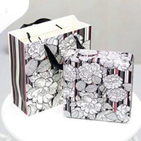 hộp thiếc vuông họa tiết hoa trắng